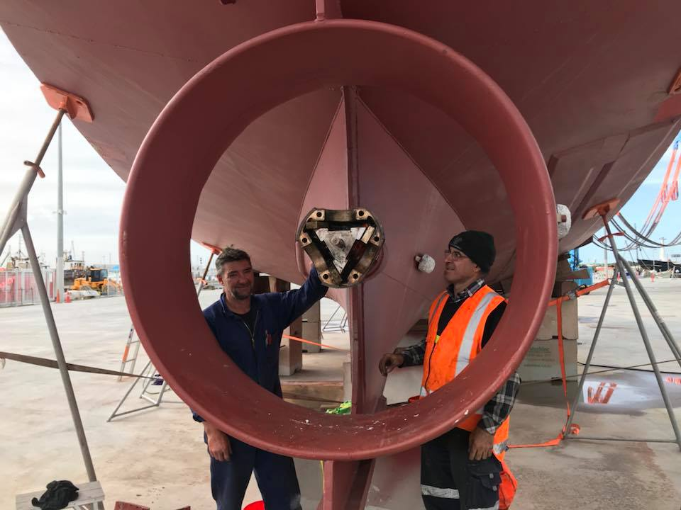 Item 3 - smf fixing propeller on fishing vessel Jay Patricia